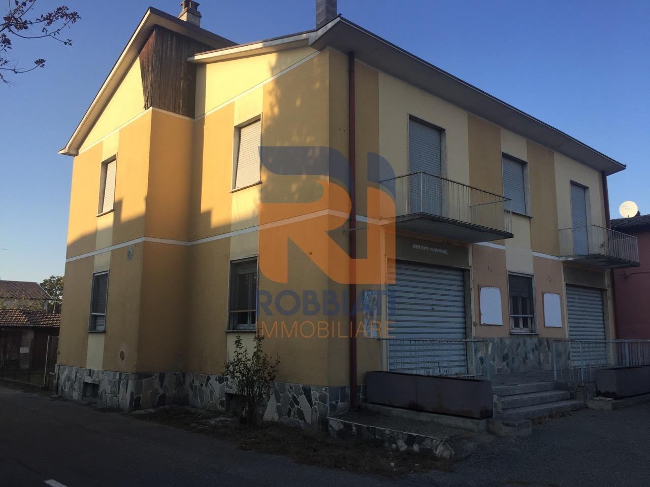 Soluzione Indipendente in vendita a Bressana Bottarone, 6 locali, prezzo € 170.000   PortaleAgenzieImmobiliari.it