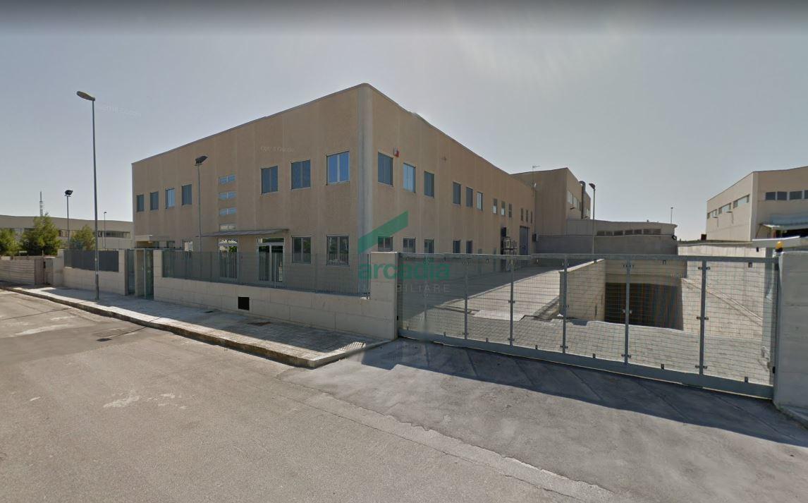 Capannone - Artigianale a Zona industriale, Bari Rif. 9902603