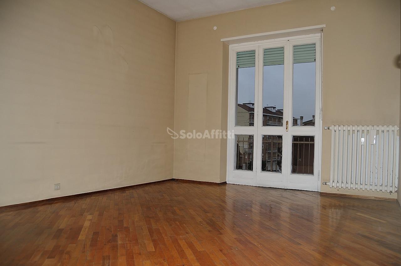 Bilocale da ristrutturare in affitto Rif. 8572644