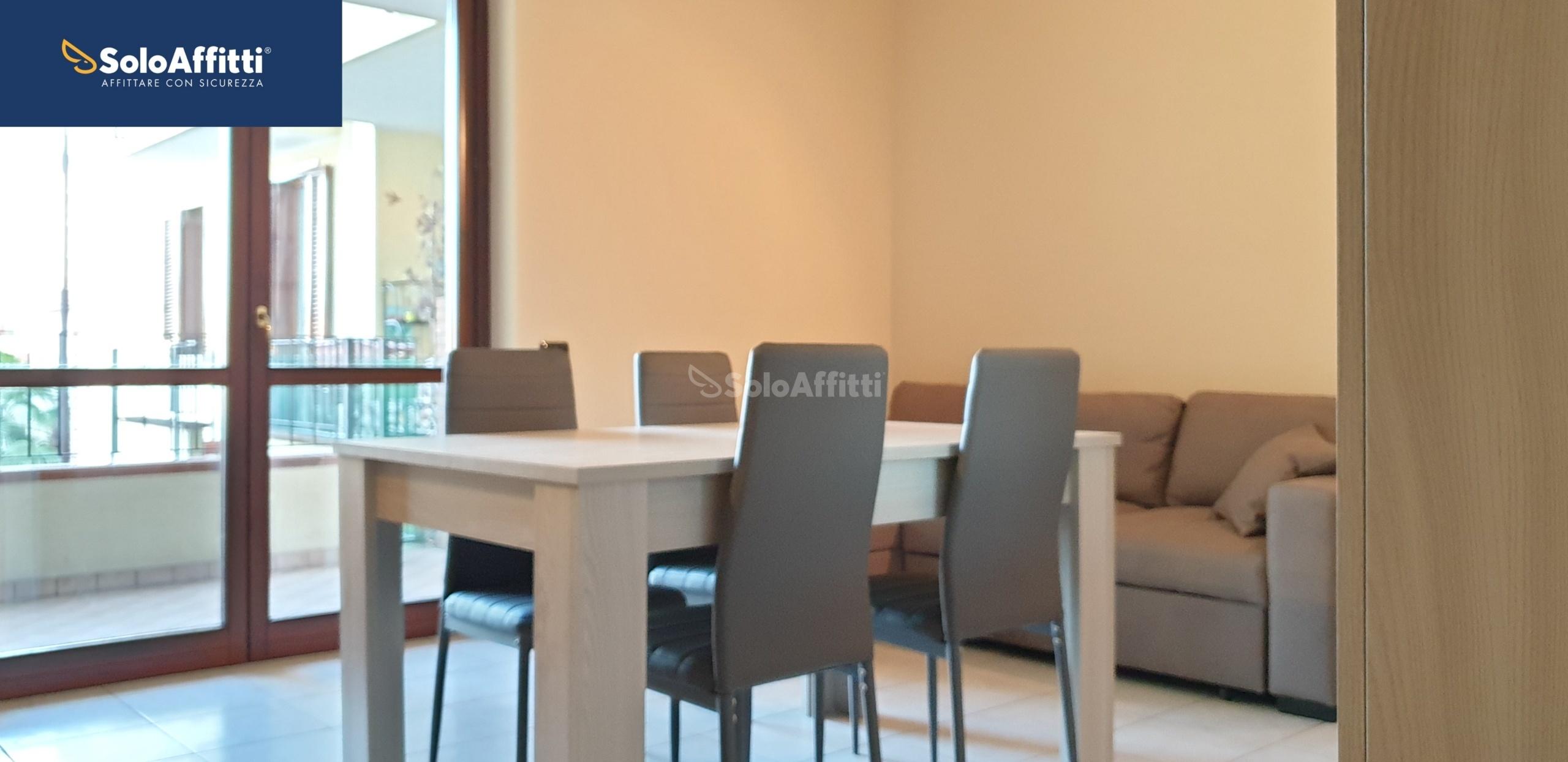 soggiorno cucina con terrazzo