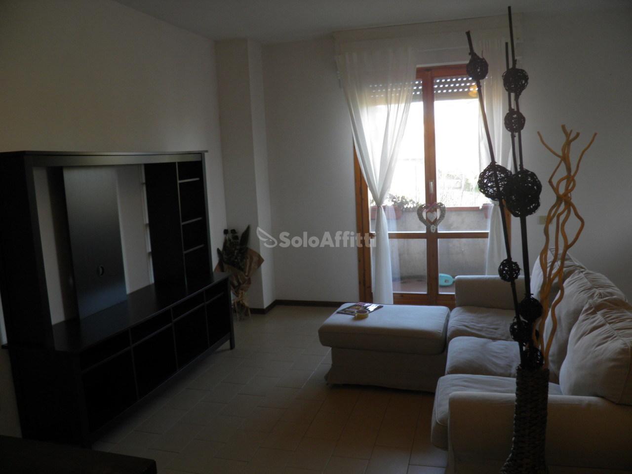 Quadrilocale in buone condizioni arredato in affitto Rif. 9209055