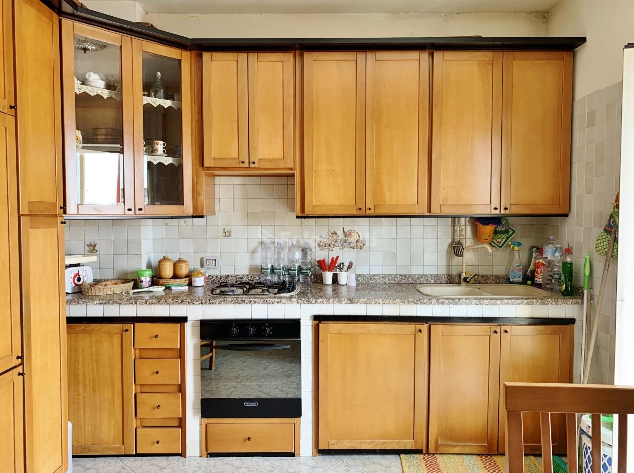 Stanza / posto letto in buone condizioni arredato in affitto Rif. 10508396