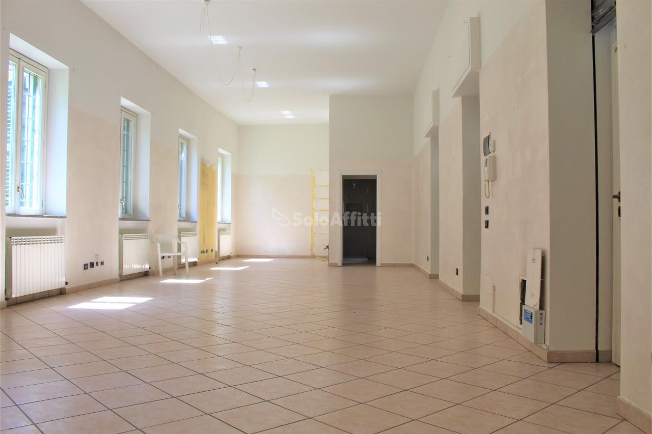 Appartamento in affitto a Parabiago, 3 locali, prezzo € 800 | PortaleAgenzieImmobiliari.it