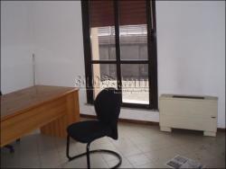 Ufficio in Affitto a Modena, zona Sacca, 150 m²