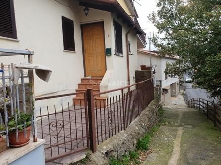 Casa Indipendente in buone condizioni in affitto Rif. 11455021
