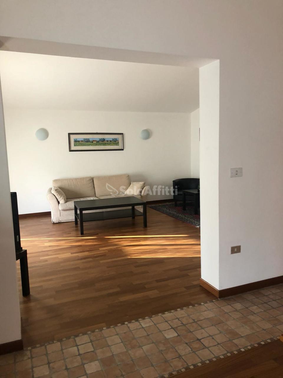 Appartamento - Quadrilocale a Via Nicola Fabrizi, Pescara