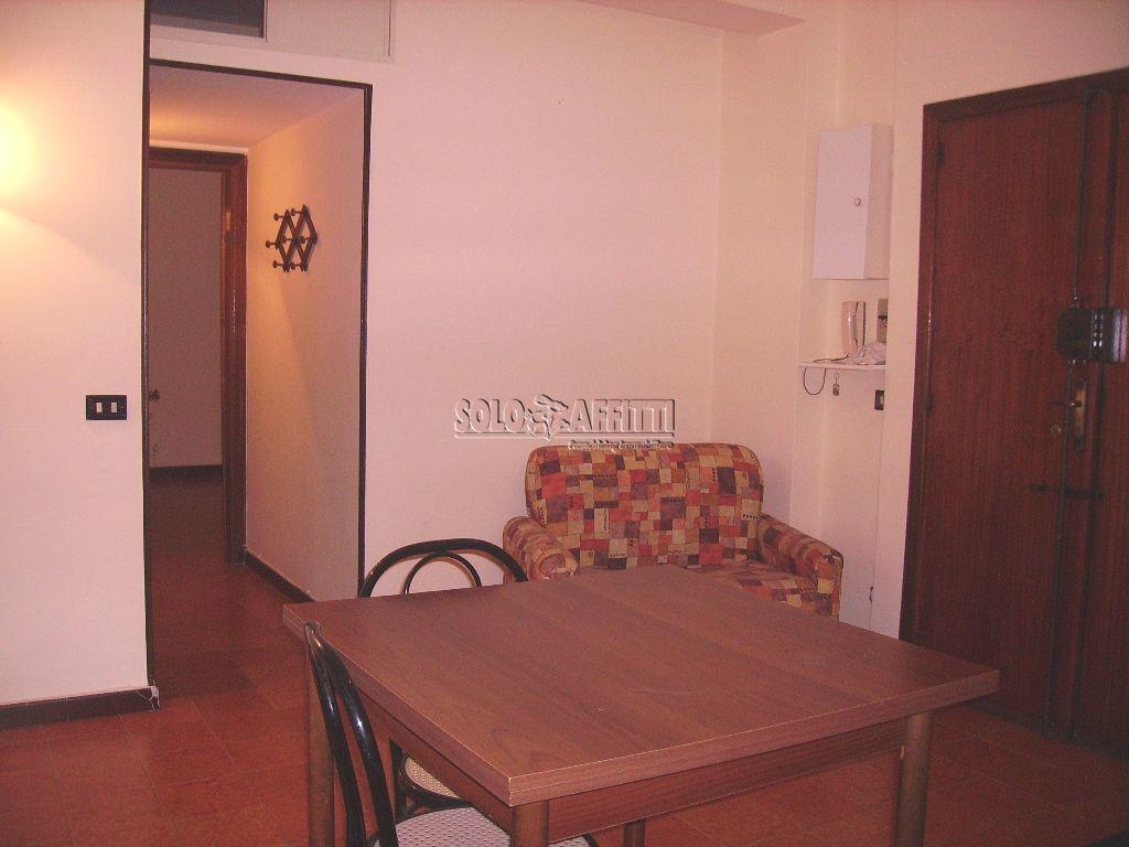 Bilocale in buone condizioni in affitto Rif. 6446412