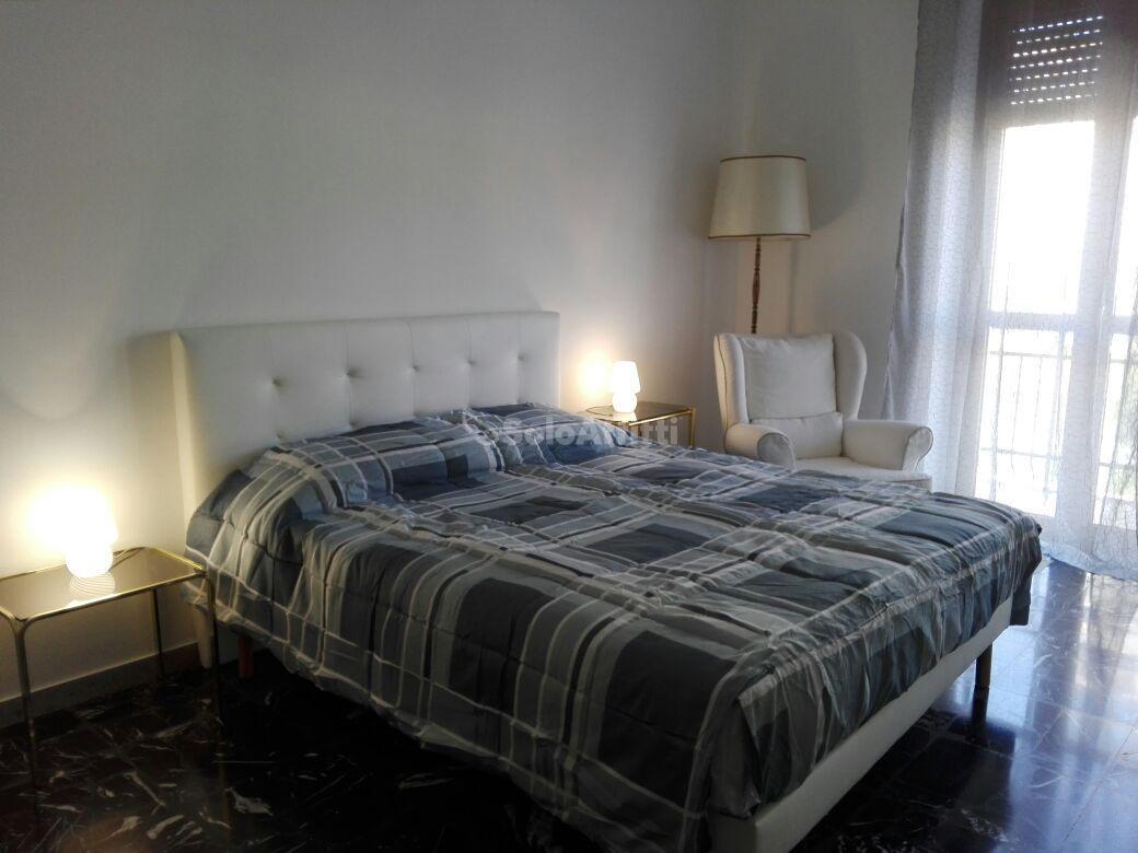 Bilocale in ottime condizioni arredato in affitto Rif. 10471401