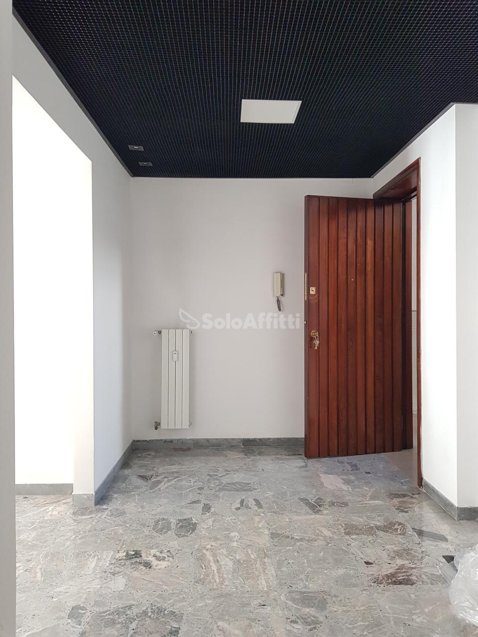 Ufficio - 4 locali a Stazione Centrale, Pescara Rif. 11149328
