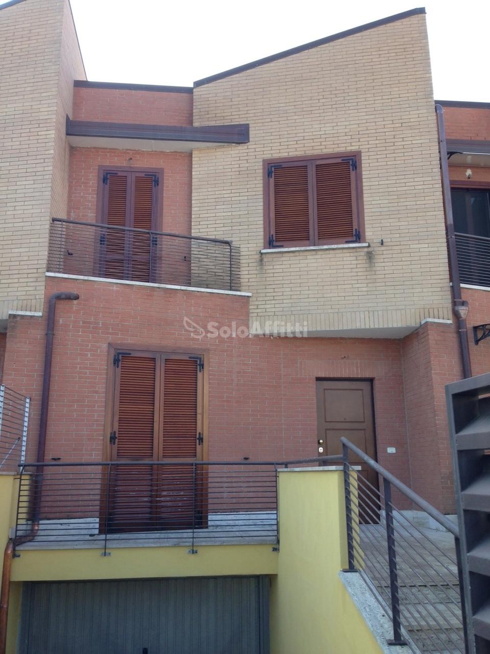 Villetta a schiera in affitto Rif. 9431316