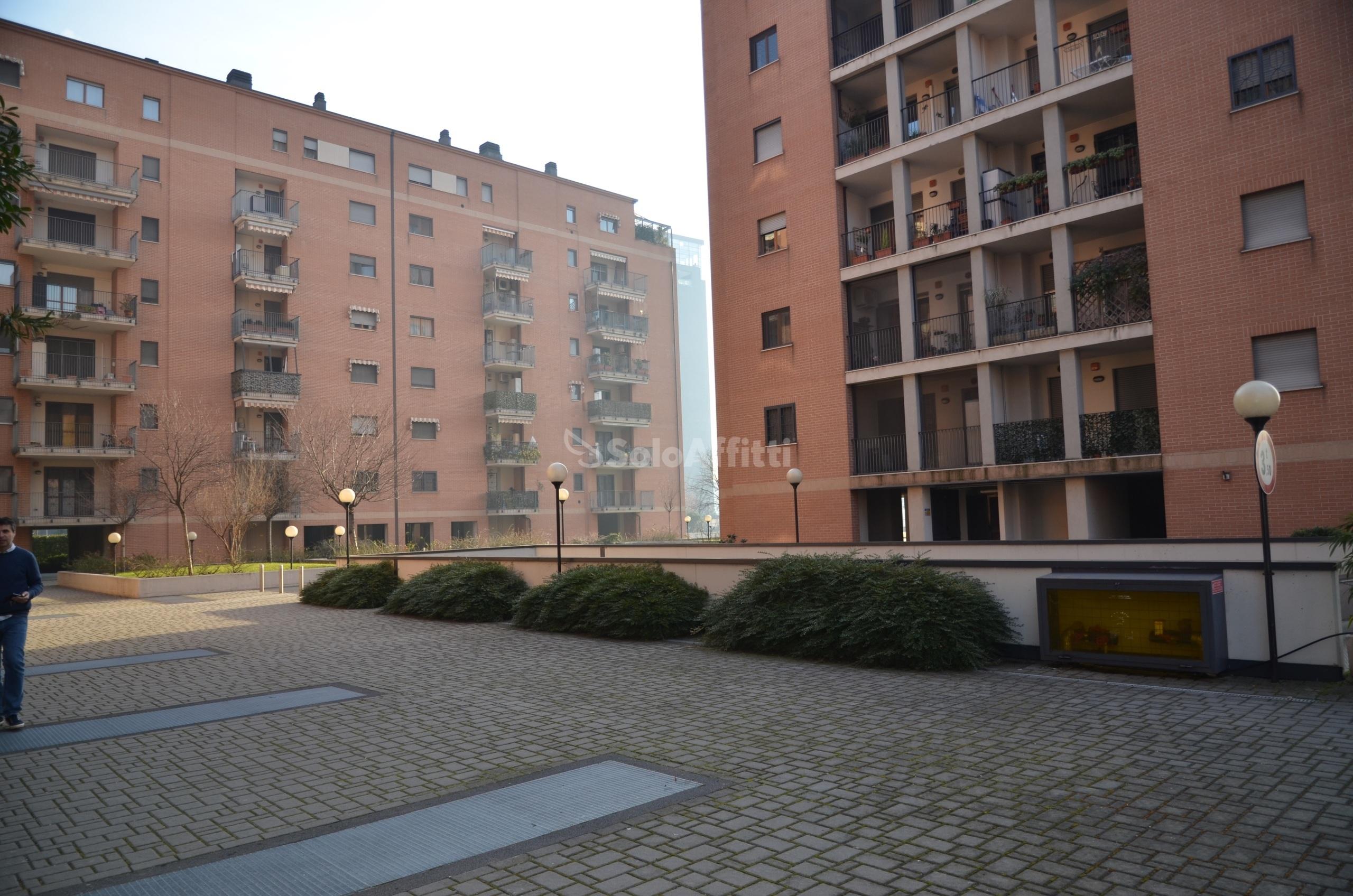 Affitto appartamento bilocale arredato for Appartamento arredato milano