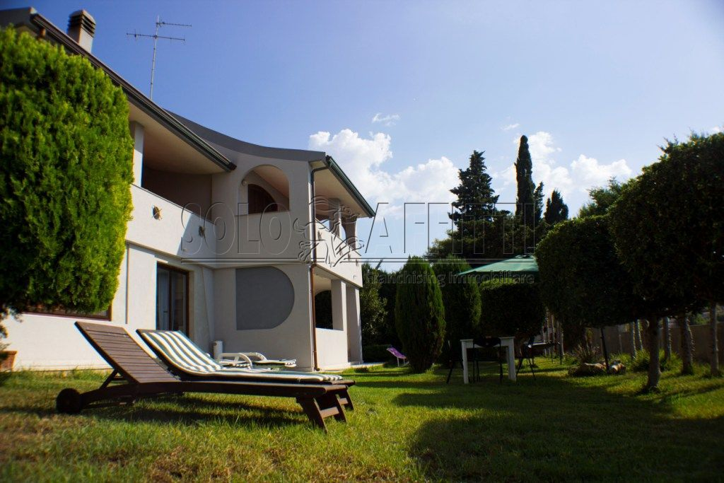 Casa indipendente Singola Arredato