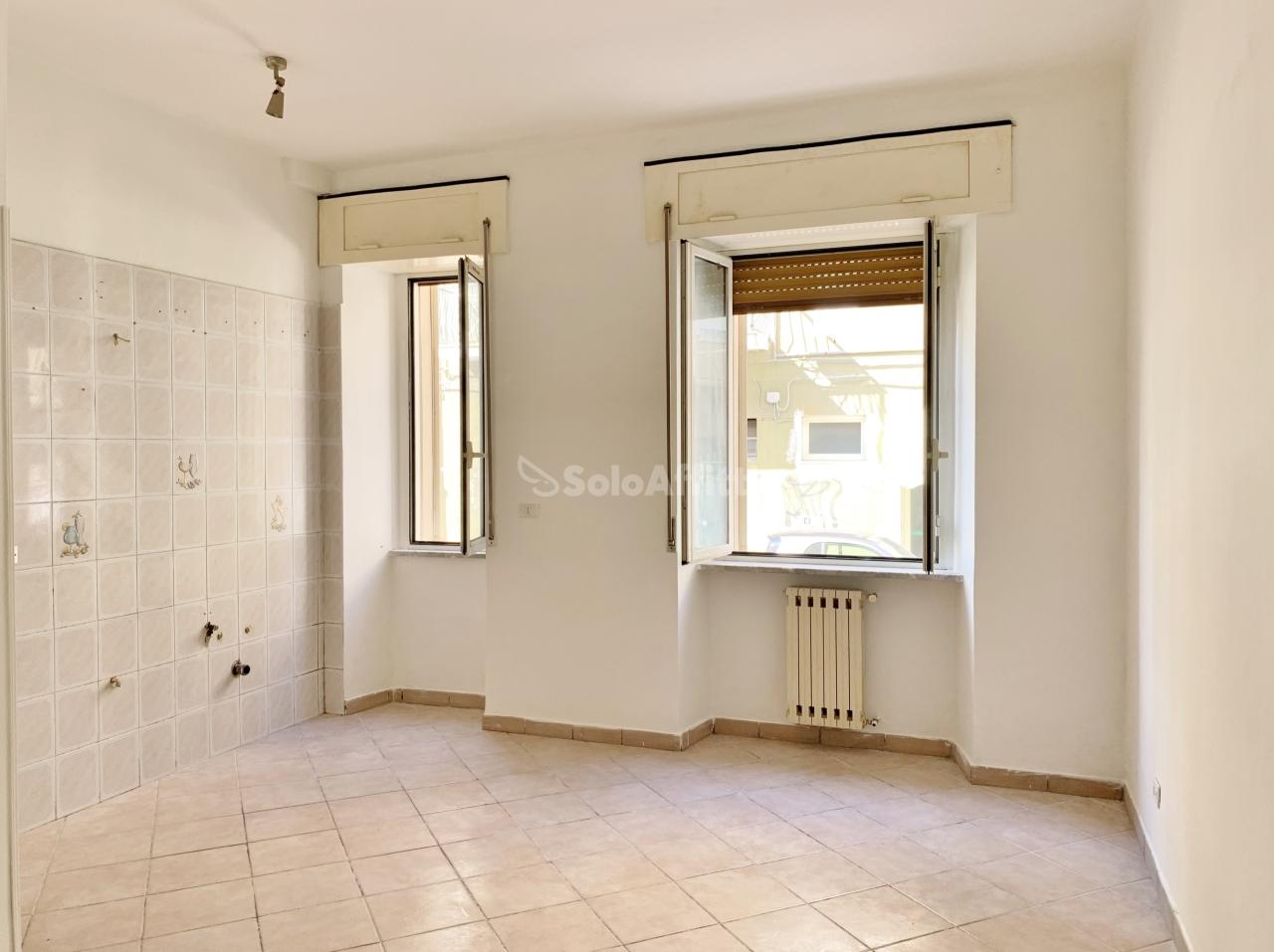 Trilocale in buone condizioni in affitto Rif. 10756330