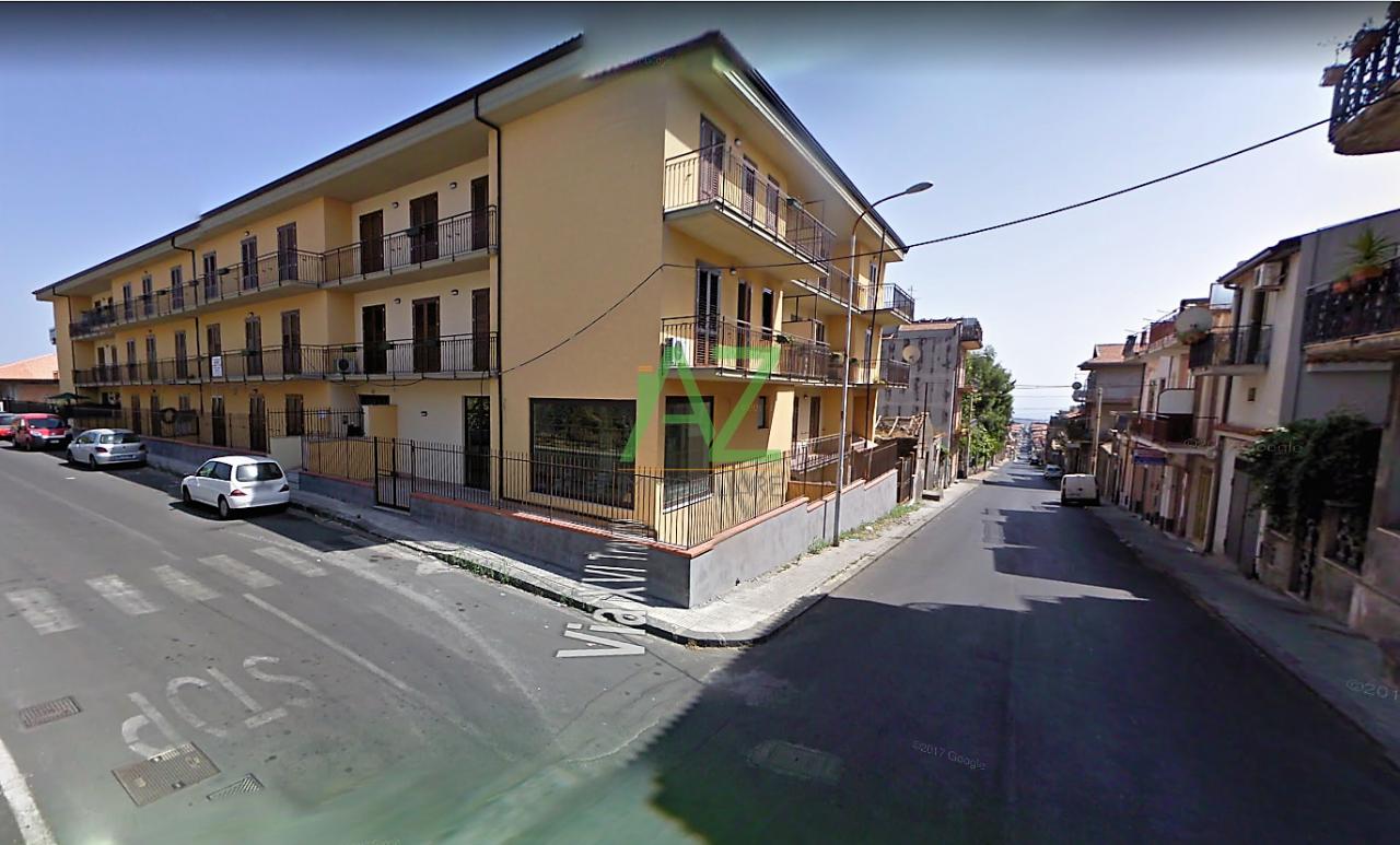Appartamento in buone condizioni in vendita Rif. 9679453