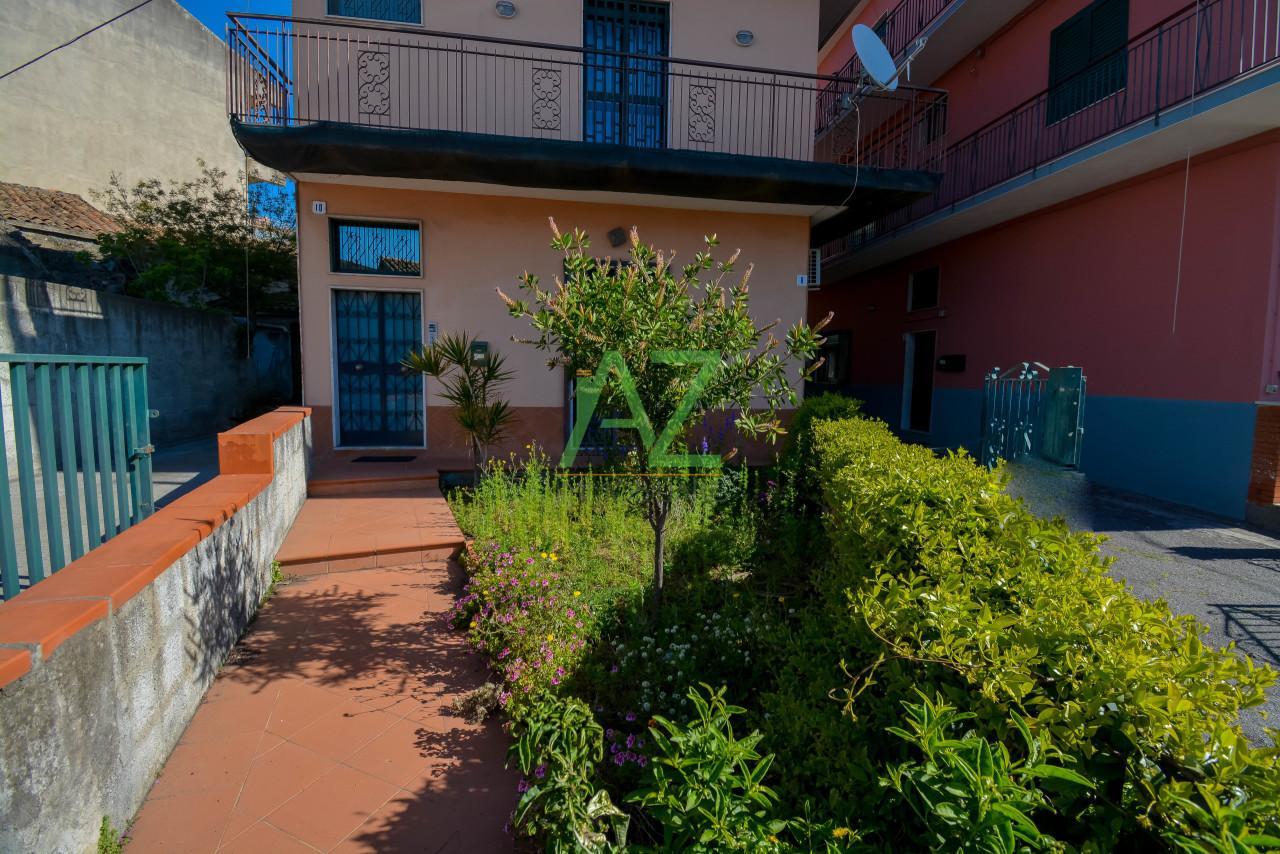 Appartamento in buone condizioni in vendita Rif. 10040554