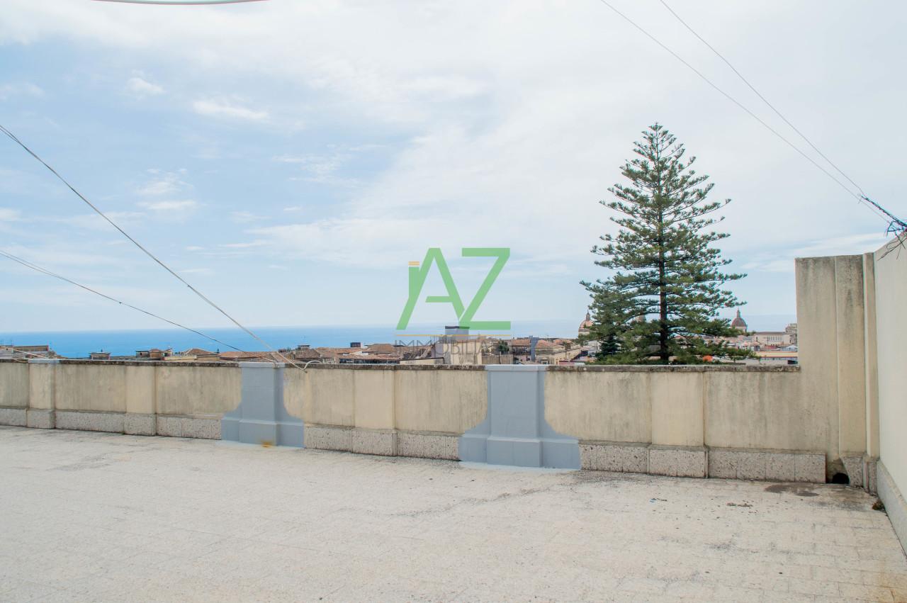 Appartamento in buone condizioni in vendita Rif. 10238090