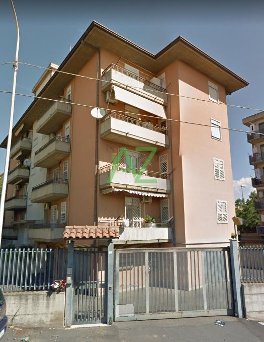 Appartamento in buone condizioni in vendita Rif. 9558653