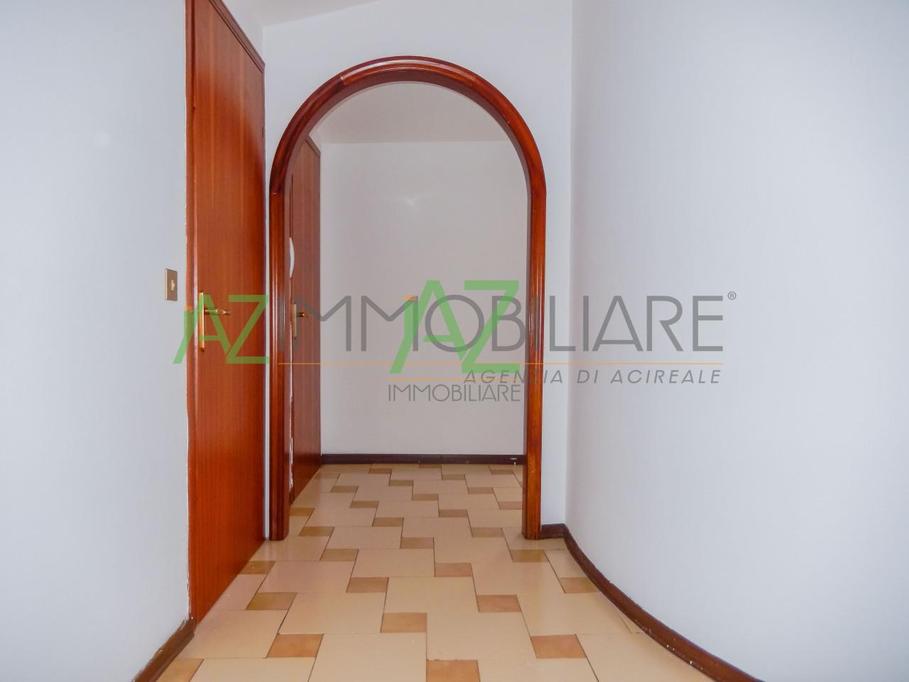 Appartamento in buone condizioni in vendita Rif. 6735472