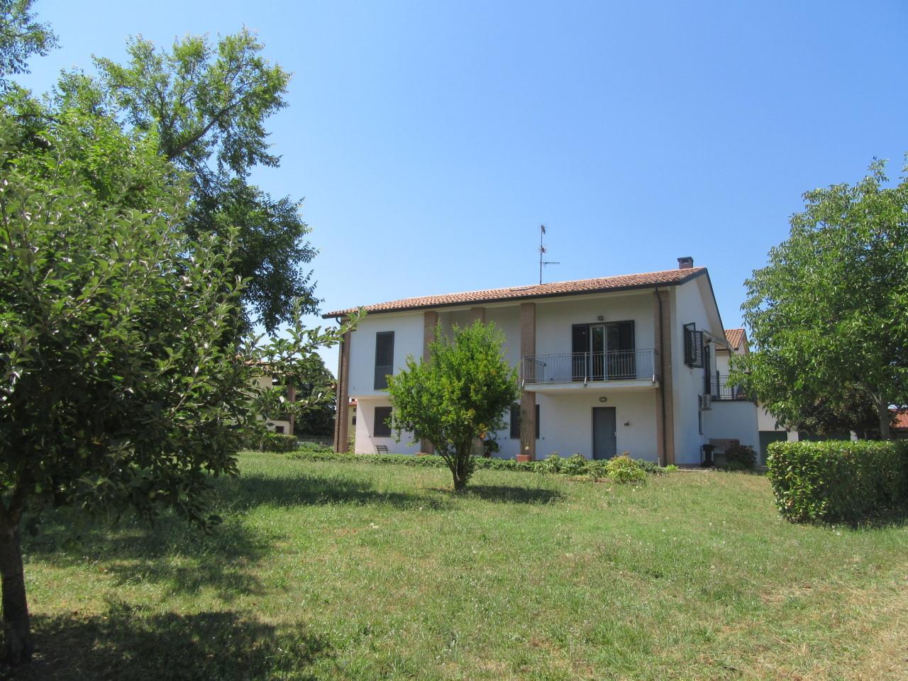 Villetta a schiera in ottime condizioni in vendita Rif. 7409091
