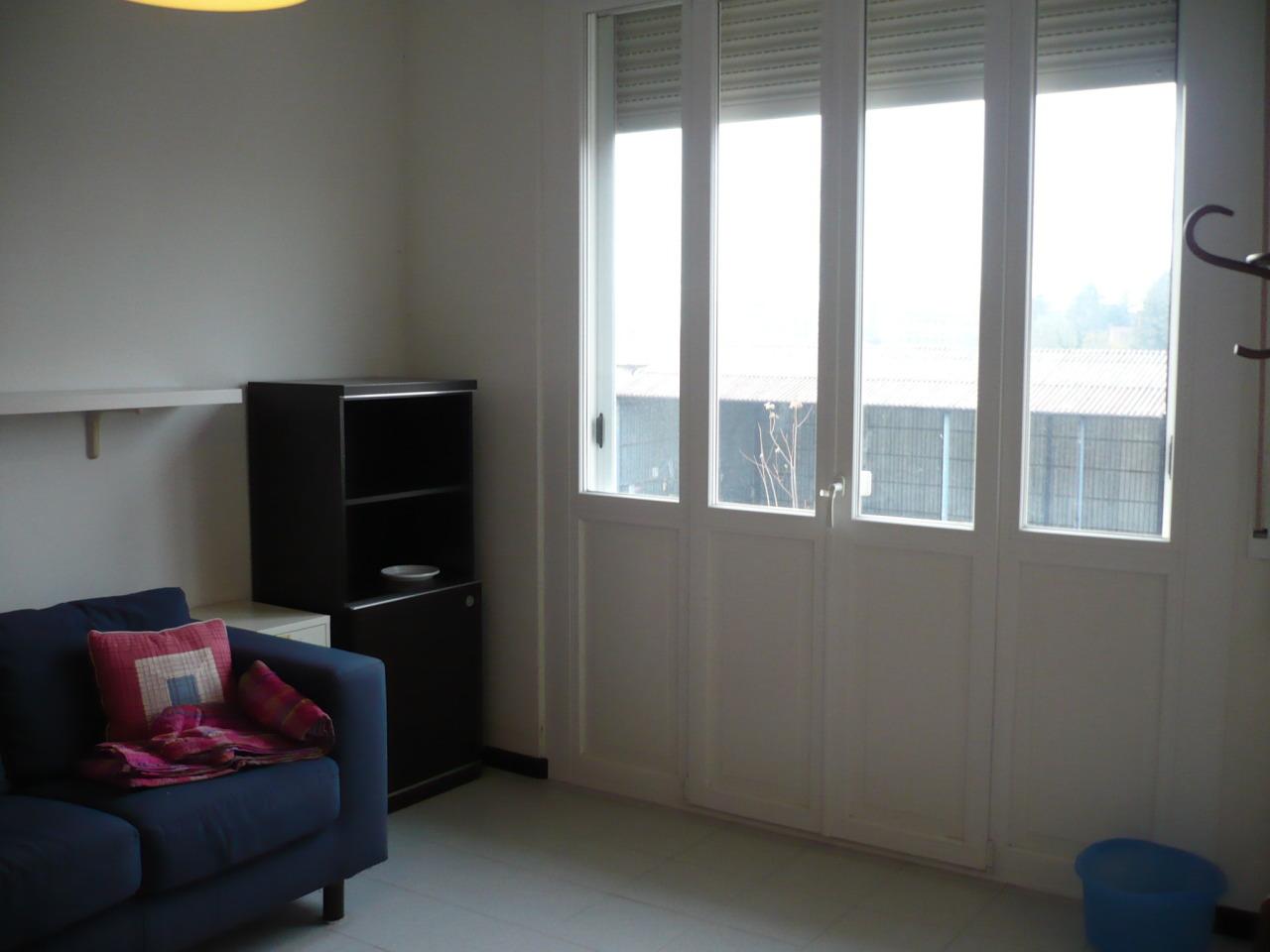 Stanza / posto letto in ottime condizioni arredato in affitto Rif. 12171532