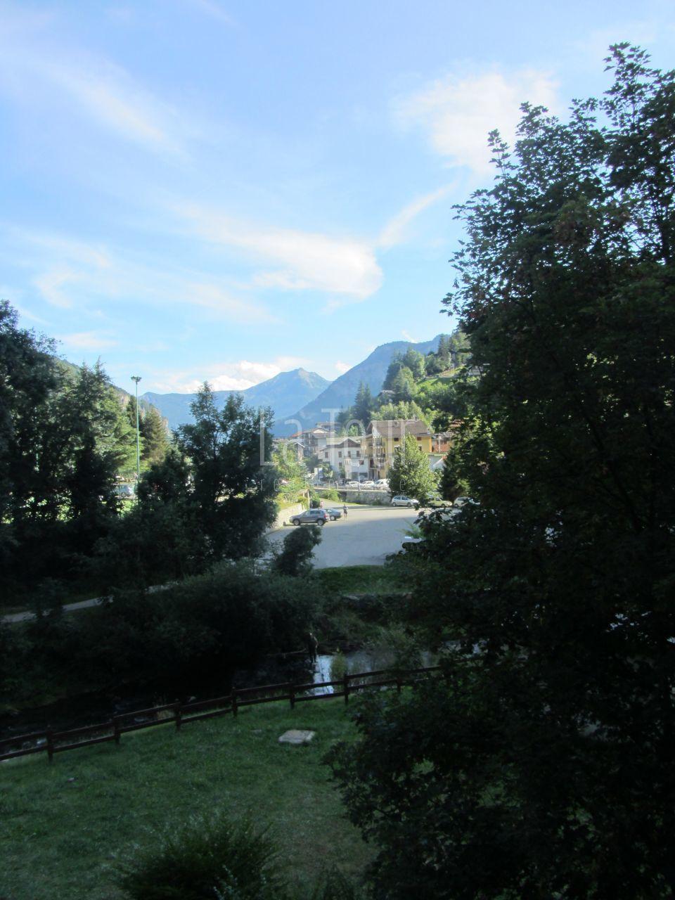 la vista verso valle.jpg