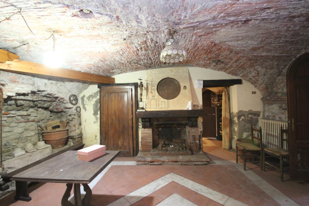 Appartamento Lucca Centro storico IA00538 img 18