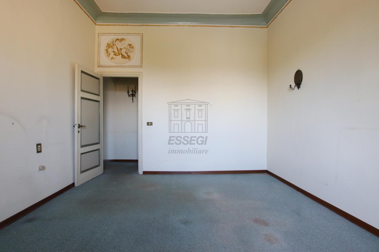 Appartamento Lucca Centro storico IA03468 img 14