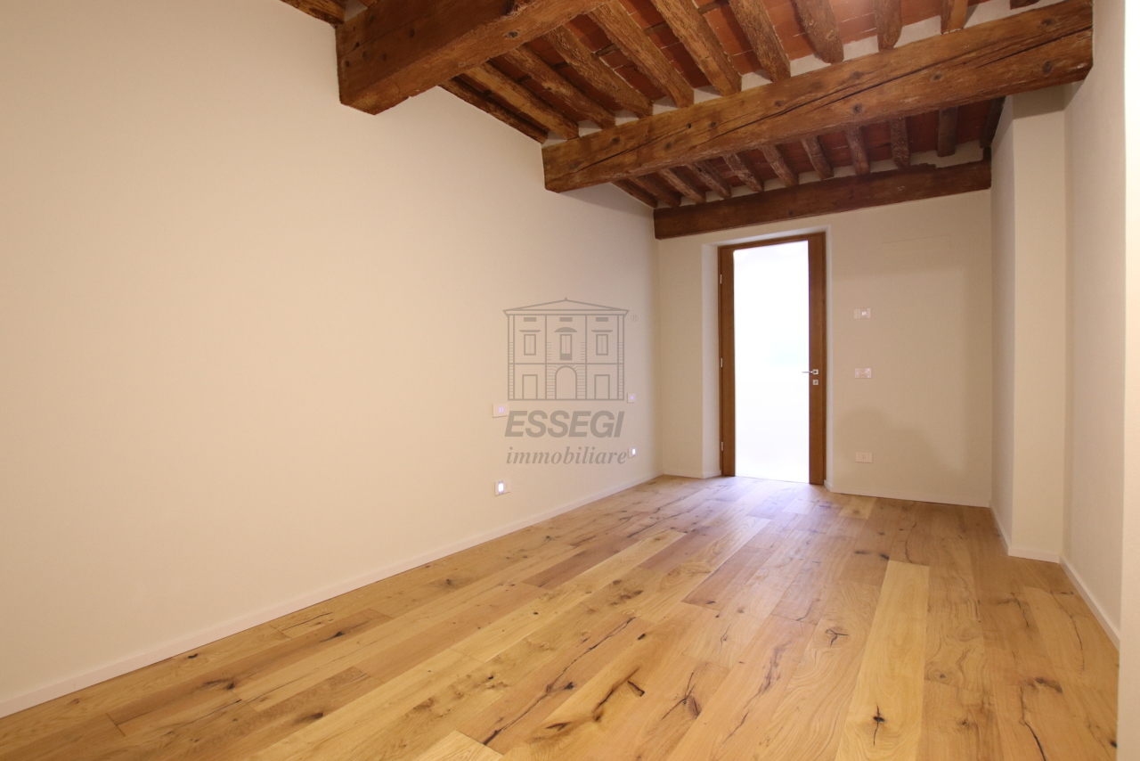 Appartamento Lucca Centro storico IA03520 img 11