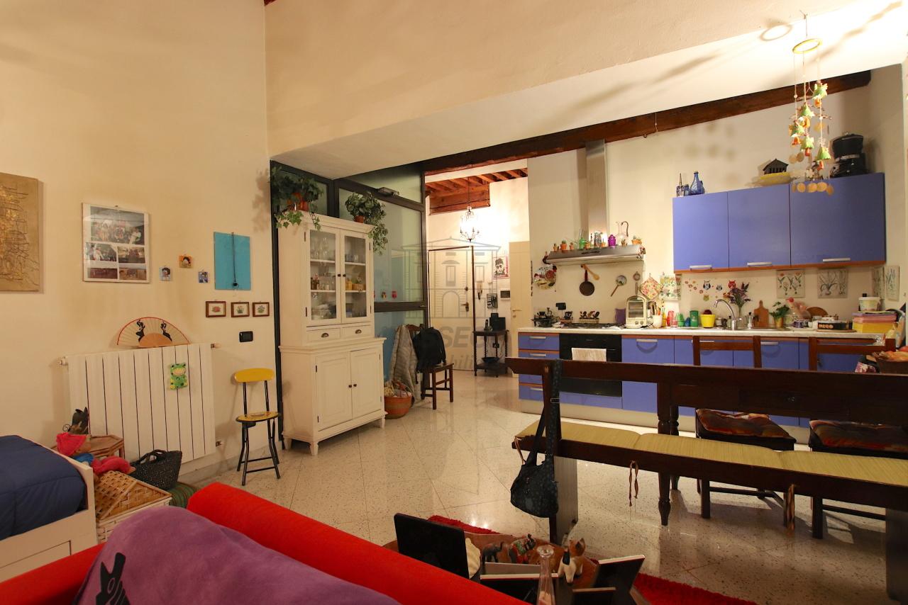 Appartamento Lucca Centro storico IA03516 img 5