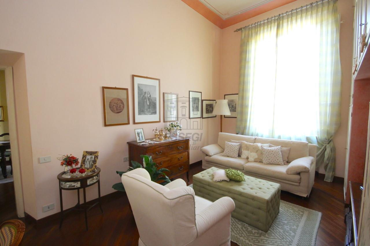 Appartamento Lucca Centro storico IA03415 img 12