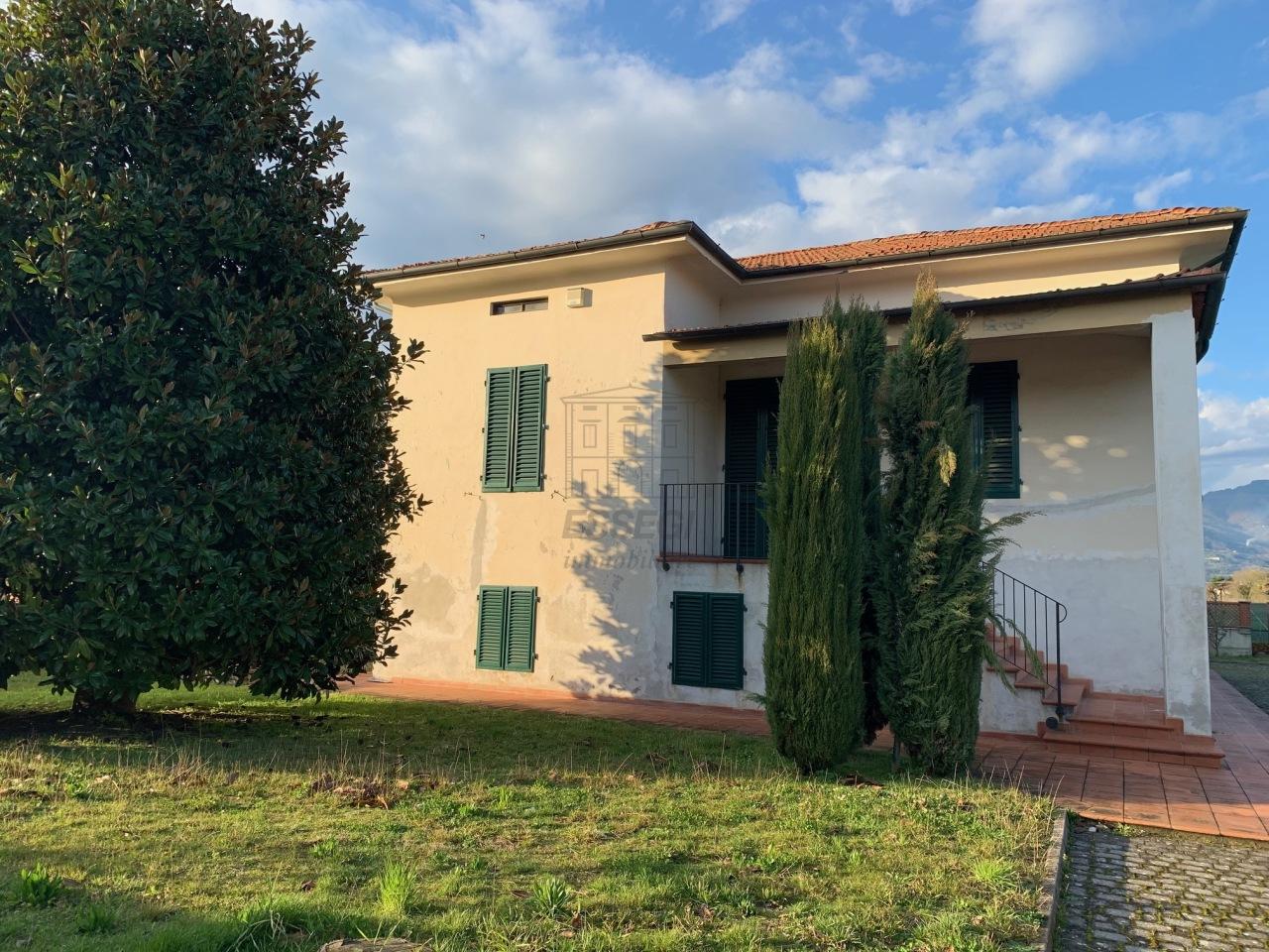 Villa divisa in due unità Lucca S. Cassiano a Vico IA03233 img 24