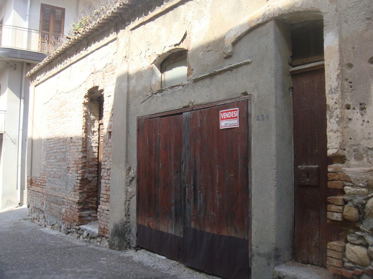 Magazzino in vendita a Bova Marina, 1 locali, prezzo € 16.000 | CambioCasa.it