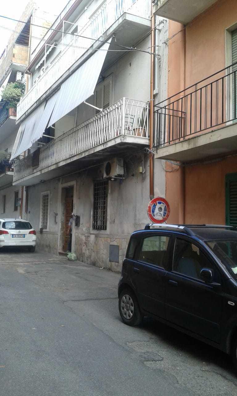 Appartamento in vendita a Reggio Calabria, 5 locali, prezzo € 50.000 | CambioCasa.it