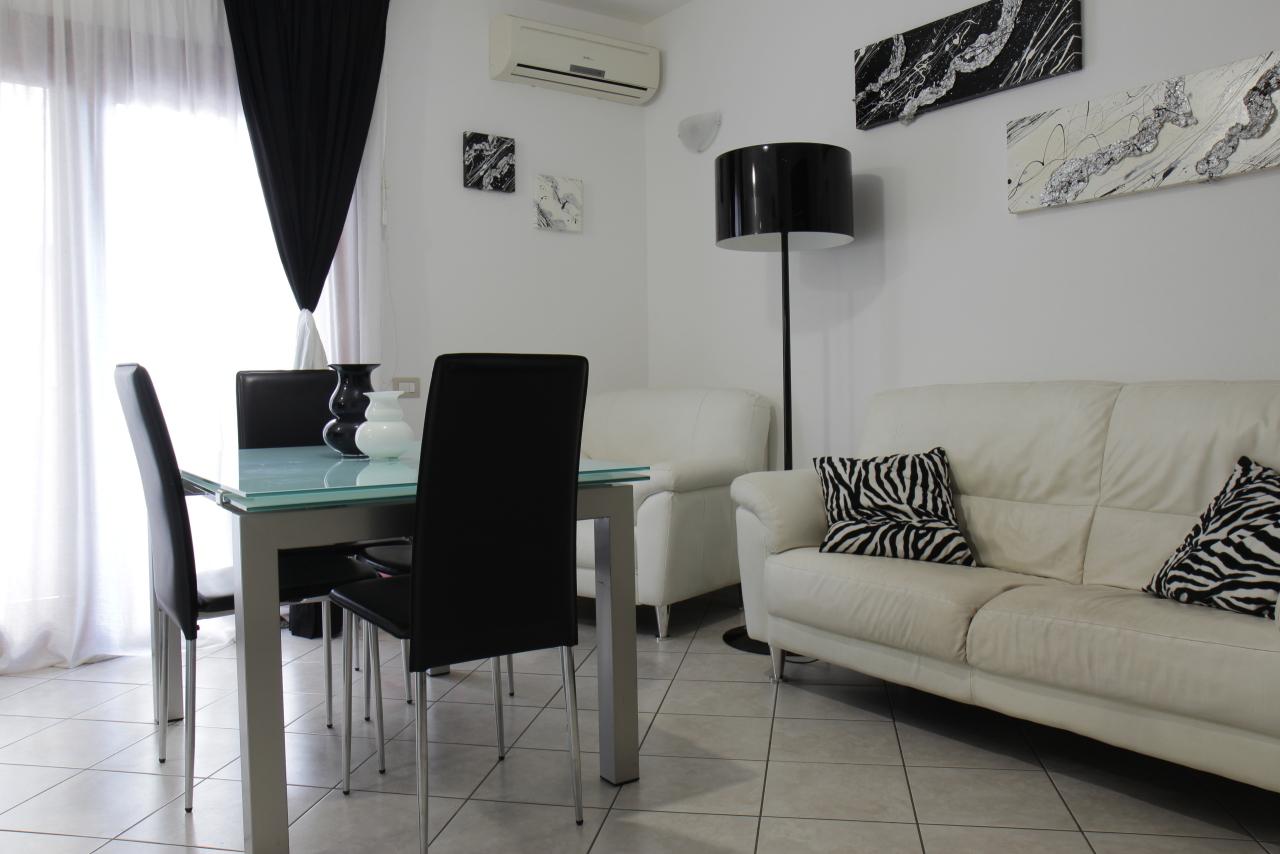 Appartamento in vendita a Decimomannu, 3 locali, prezzo € 100.000   CambioCasa.it