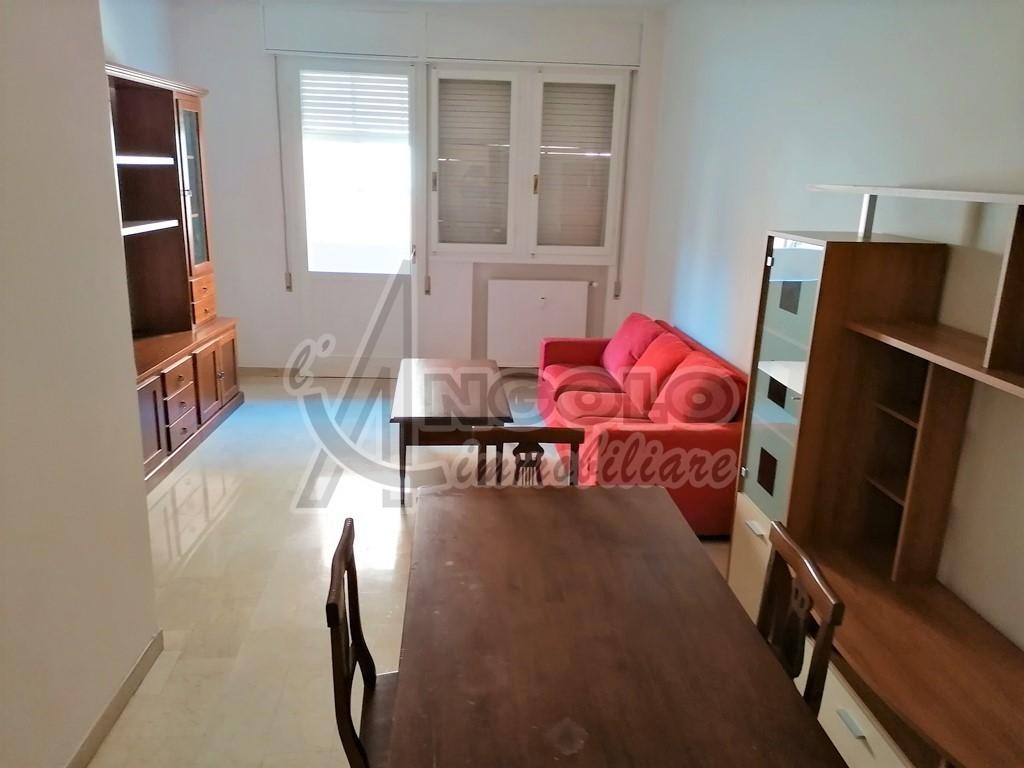 Appartamento in vendita a Rovigo, 5 locali, prezzo € 65.000 | CambioCasa.it