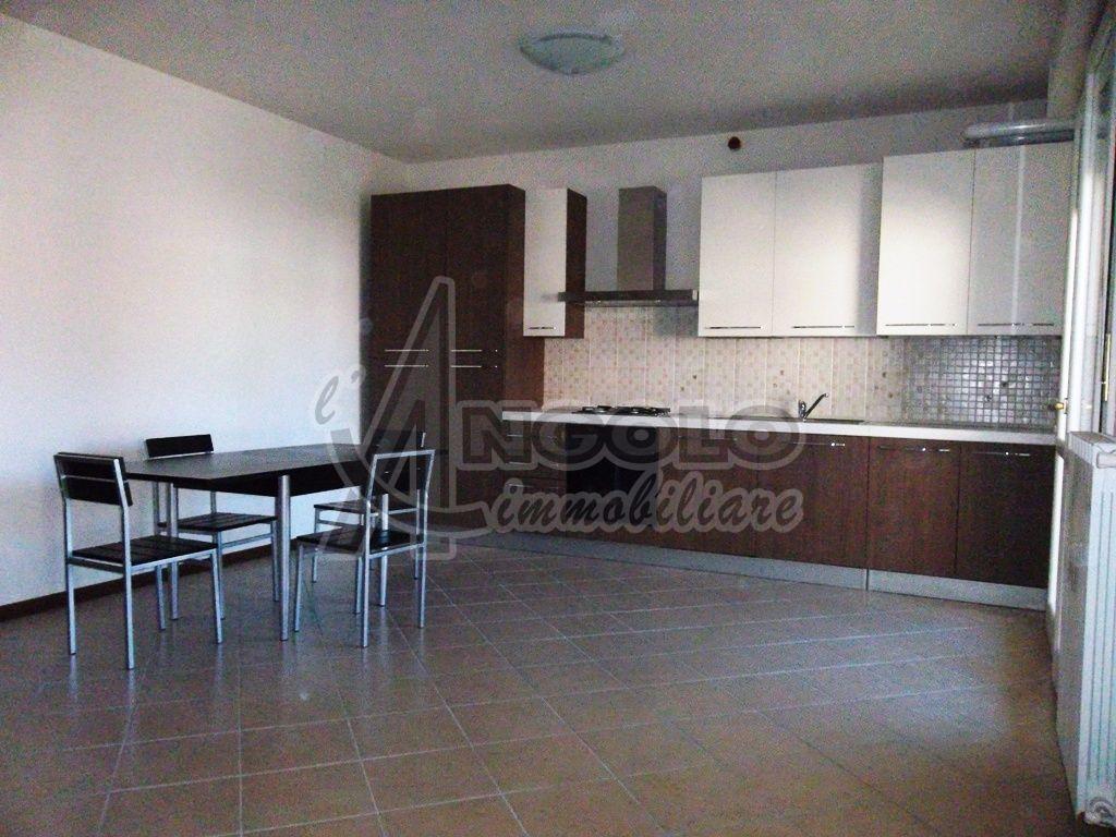 Appartamento in ottime condizioni arredato in affitto Rif. 10763773