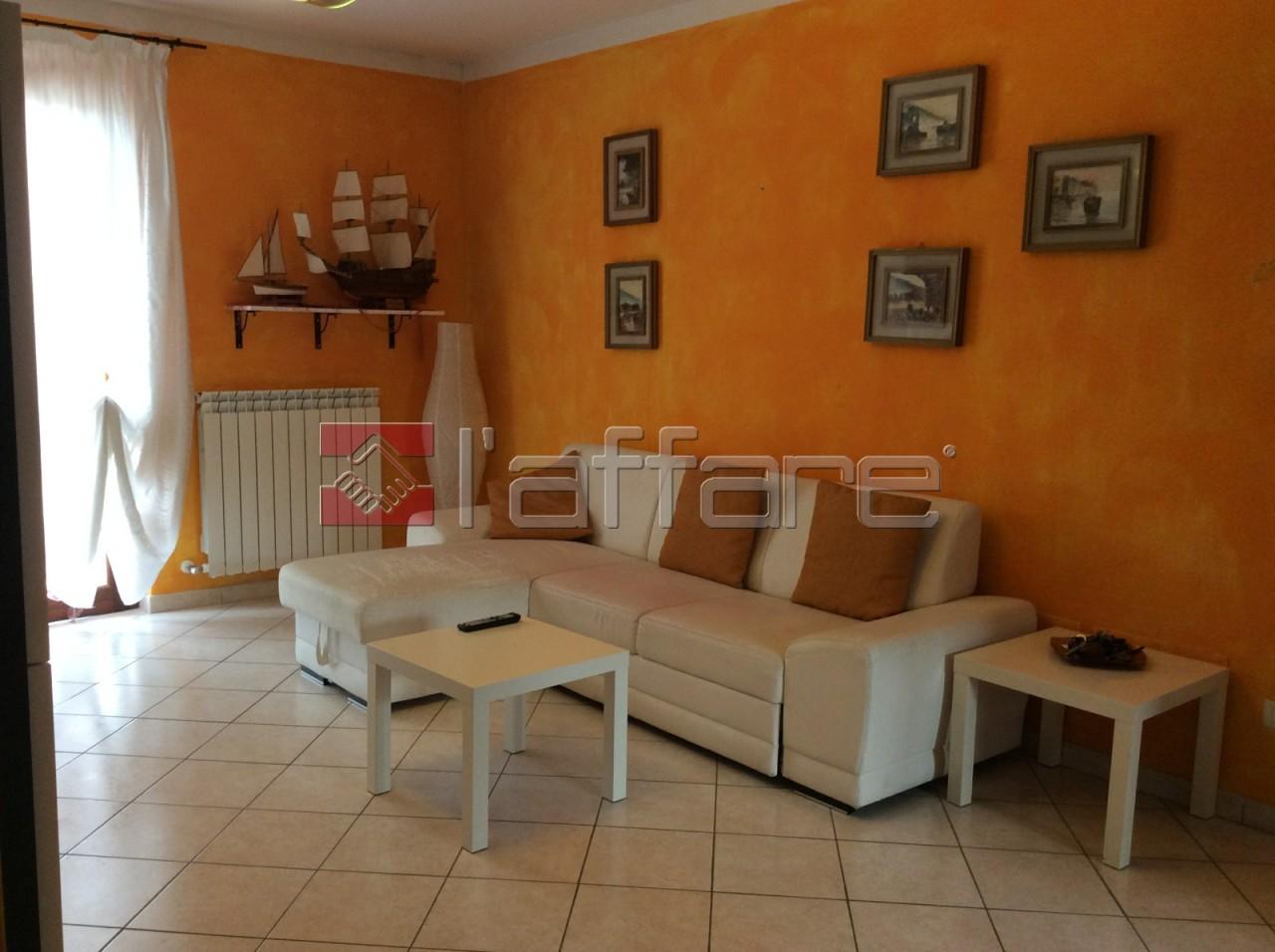 Appartamento in buone condizioni in vendita Rif. 5666282