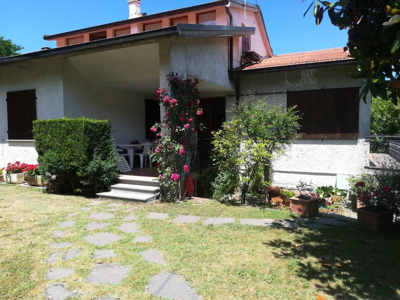 Villa in buone condizioni in vendita Rif. 11519883