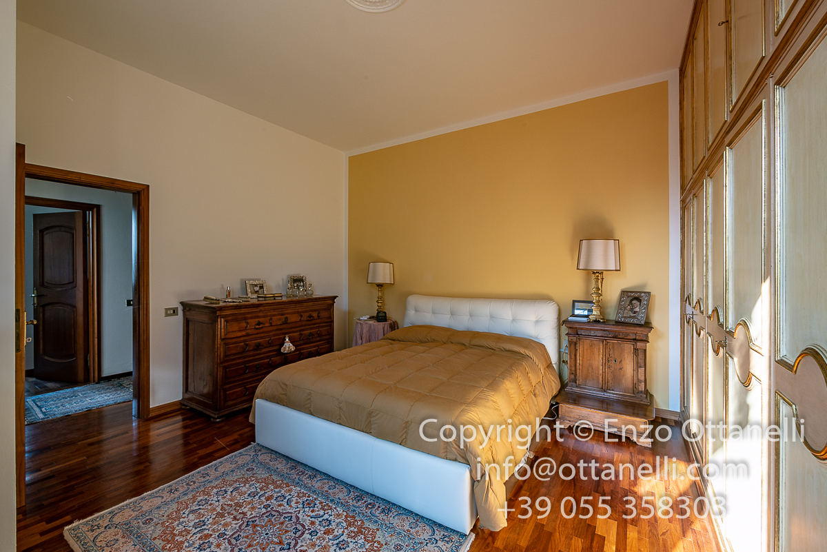 Camera Matrimoniale A Prato.Codice Va1431 Appartamento Pentalocale Vendita A Prato Agenzia