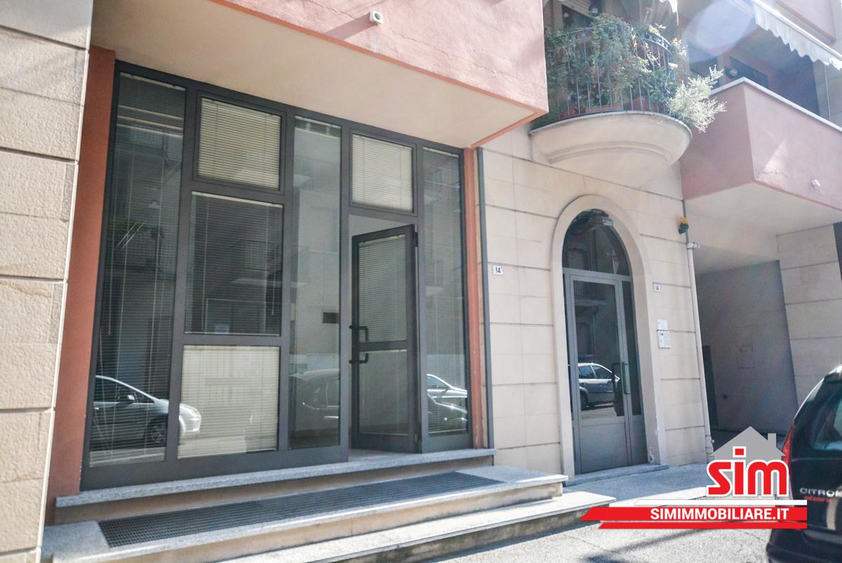 Negozio - 1 vetrina a San Martino, Novara Rif. 6275335