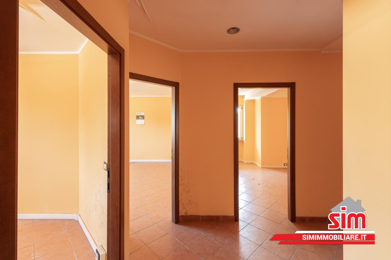 Ufficio / Studio in vendita a Vercelli, 6 locali, prezzo € 160.000   PortaleAgenzieImmobiliari.it
