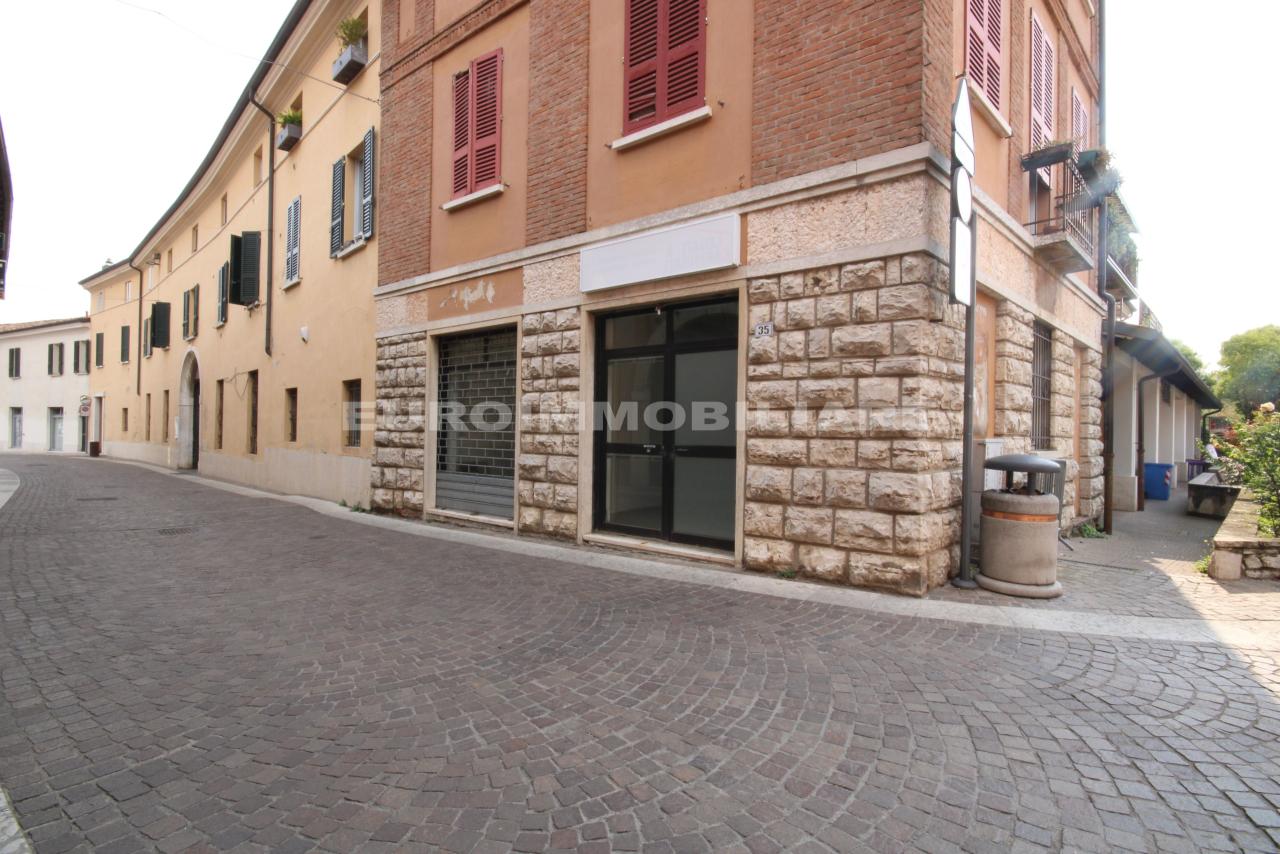 Negozio / Locale in vendita a Cellatica, 2 locali, prezzo € 85.000 | CambioCasa.it