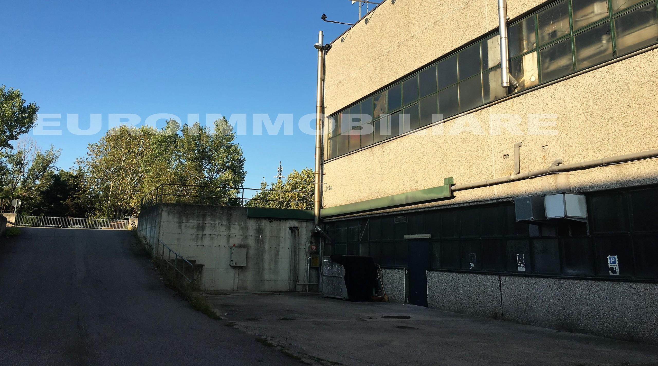 Magazzino e laboratorio a Brescia