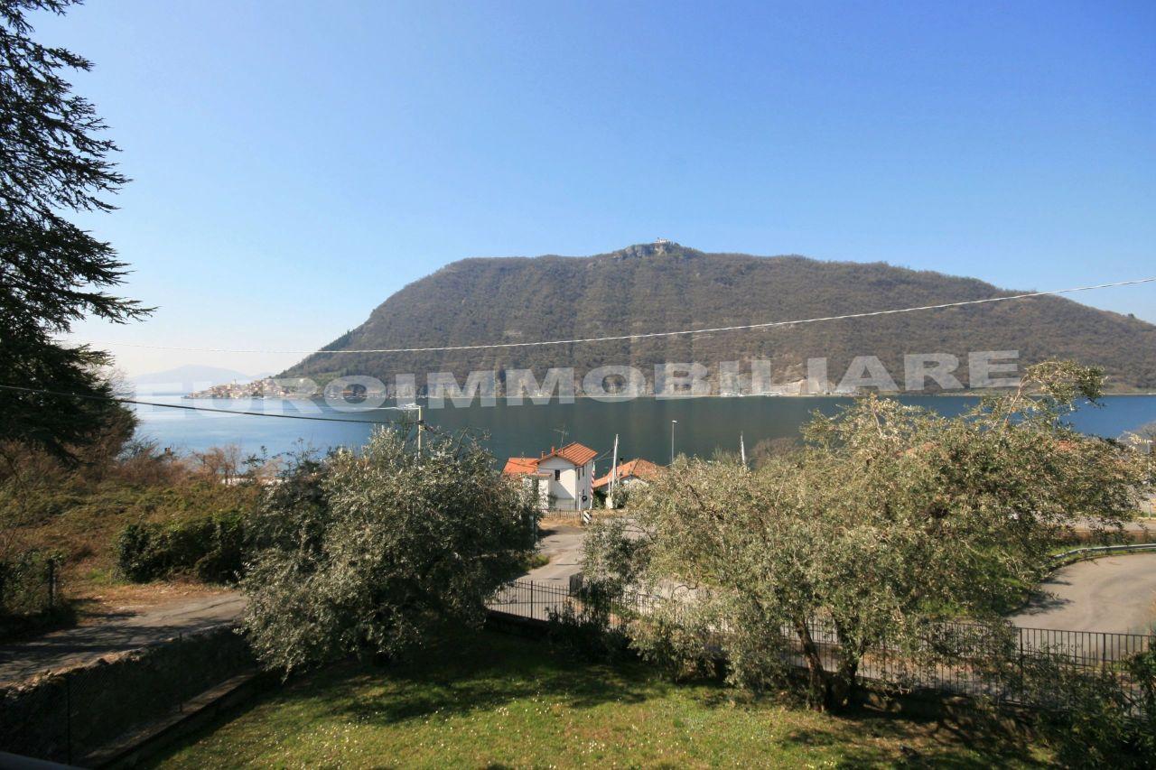 Villa in vendita a Sale Marasino, 5 locali, prezzo € 420.000 | CambioCasa.it