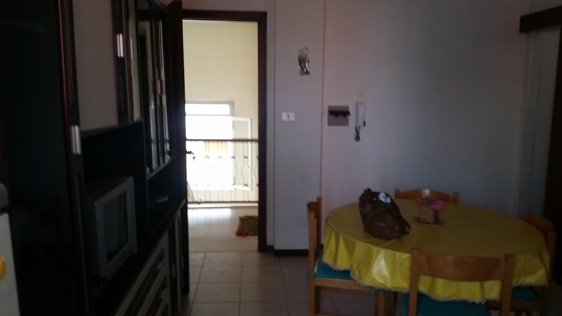 Appartamento in buone condizioni arredato in affitto Rif. 6446496