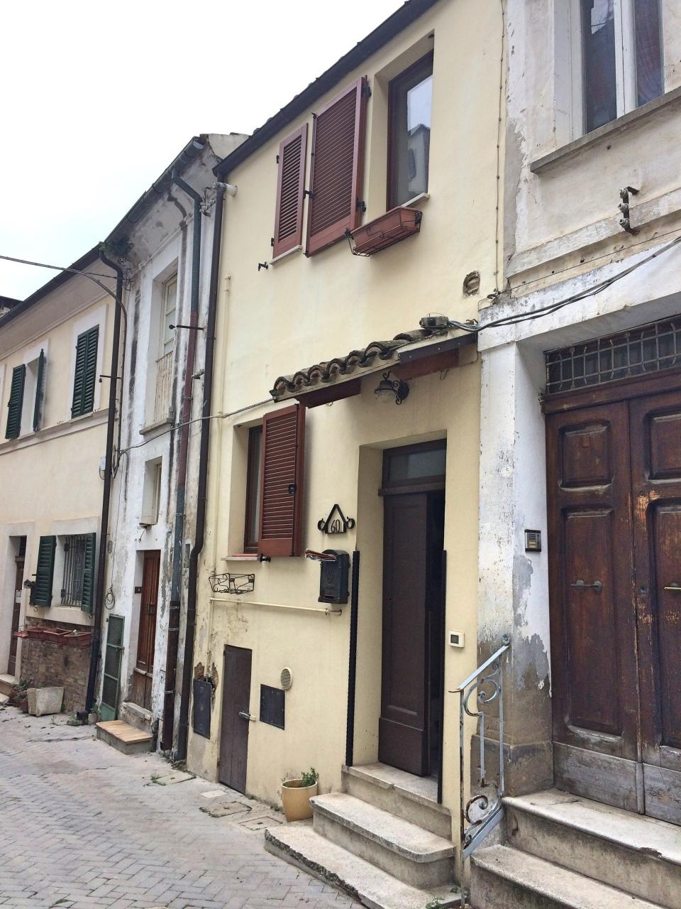 Casa Indipendente in buone condizioni in vendita Rif. 7039776