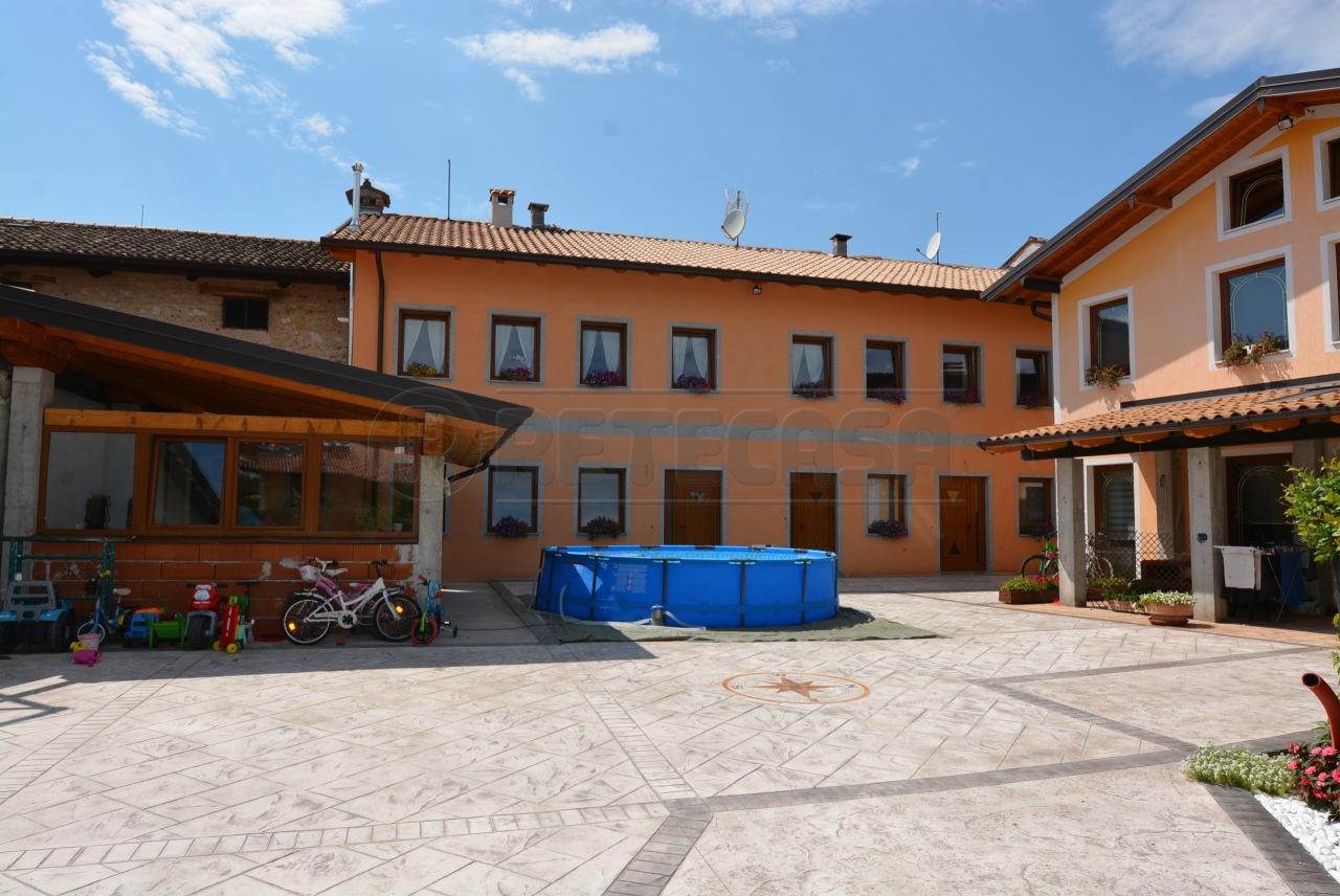Appartamento a Santa Maria La Longa in Vendita