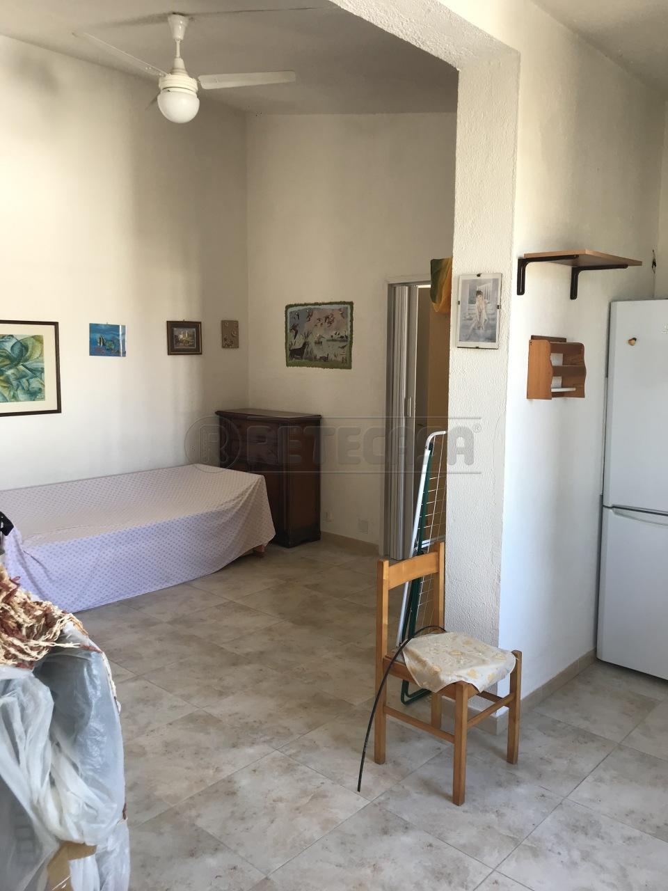 Villa a Schiera in vendita a Cropani, 3 locali, prezzo € 40.000 | CambioCasa.it