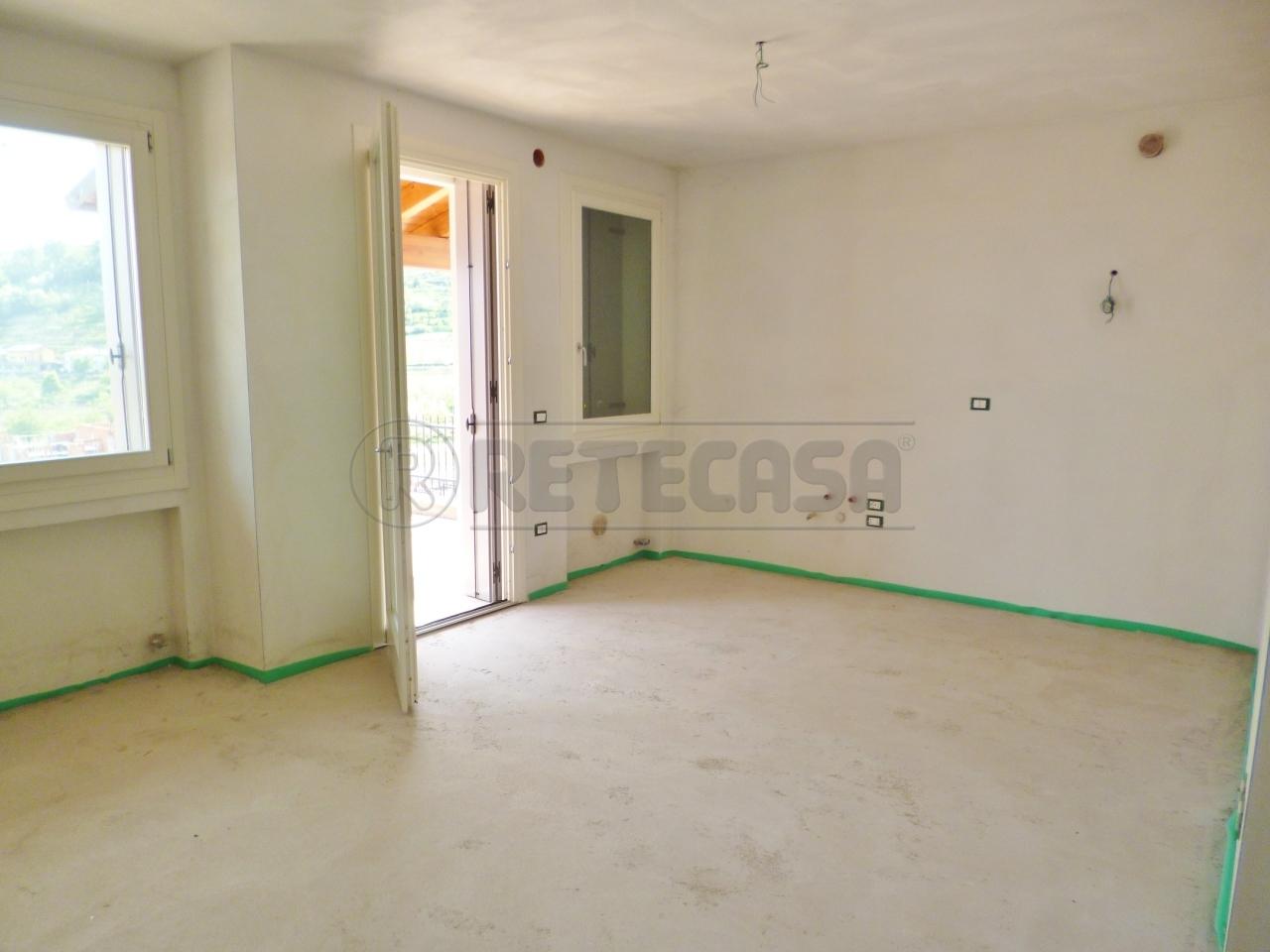 Appartamento in vendita a Roncà, 3 locali, prezzo € 70.000   CambioCasa.it