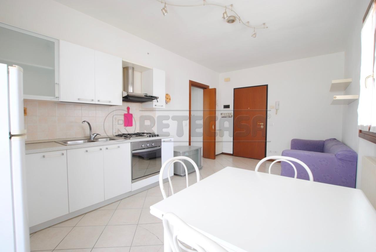 Appartamento - Miniappartamento a Centrale, Brogliano